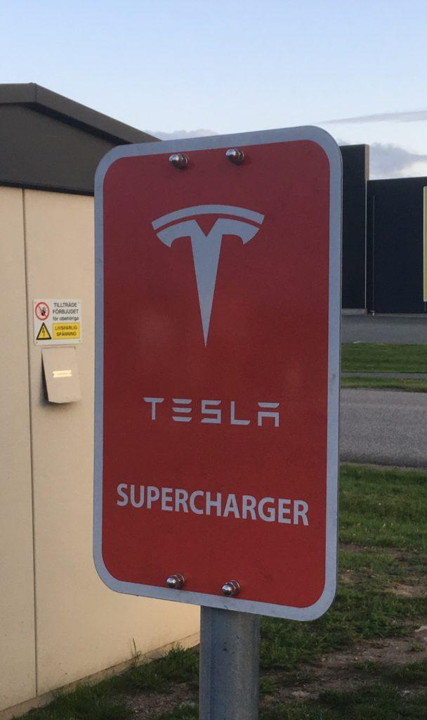 Tesla oplader